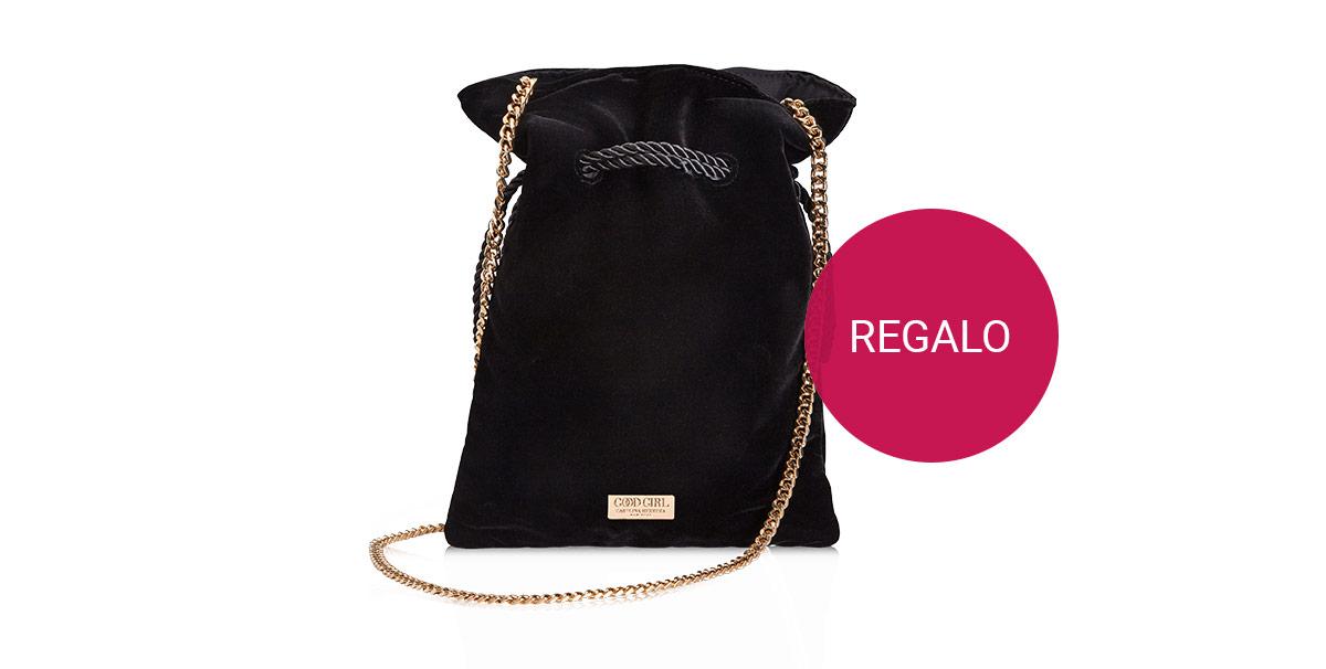 Elegante borsetta in omaggio con l'acquisto di profumi e set della collezione Good Girl di Carolina Herrera.