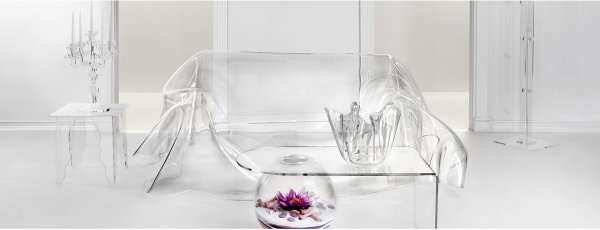 Iplex arredamento in plexiglas trasparente.
